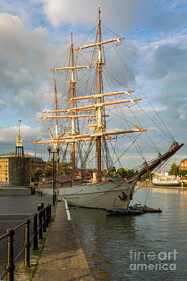 Photograph - Bristol Tall Mast by Brian Jannsen