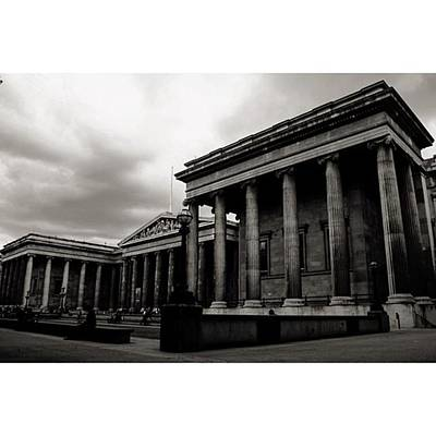 London Wall Art - Photograph - #britishmuseum #london #thisislondon by Ozan Goren