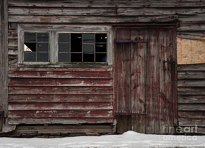 Photograph - Broad Side Of A Barn by Debra Fedchin
