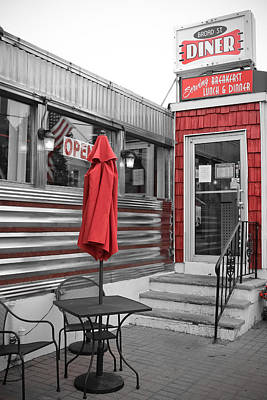 Photograph - Broad Street Diner by Colleen Kammerer