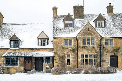 Photograph - Broadway Cottages In The Snow by Tim Gainey
