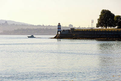 Photograph - Brockton Point Lighthouse On Peninsula At Stanley Park by David Gn