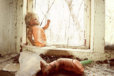 Photograph - Broken Doll by Juli Scalzi