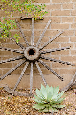 Photograph - Broken Wagon Wheel. El Charco Del Ingenio by Rob Huntley