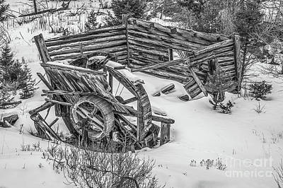 Photograph - Broken Water Wheel by Sue Smith