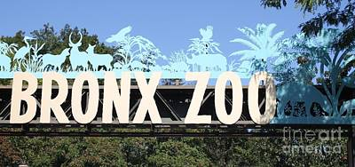 Photograph - Bronx Zoo Entrance by John Telfer