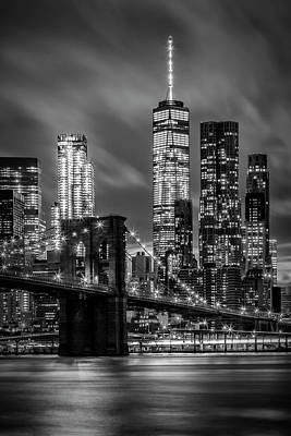 Brooklyn Bridge Evening Atmosphere In New York City - Monochrome Art Print