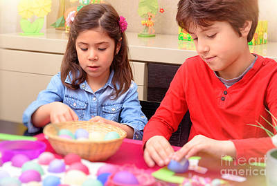 Photograph - Brother And Sister Coloring Easter Eggs by Anna Om