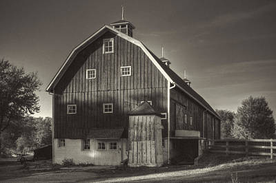Photograph - Bruner Family Farm Milking Barn by Roger Passman