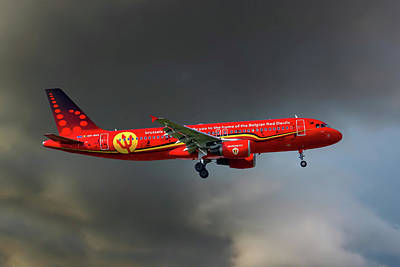 Red Devil Photograph - Brussells Airlines Airbus A320-214 by Smart Aviation