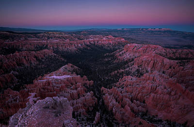 Arch Photograph - Bryce Point by Edgars Erglis
