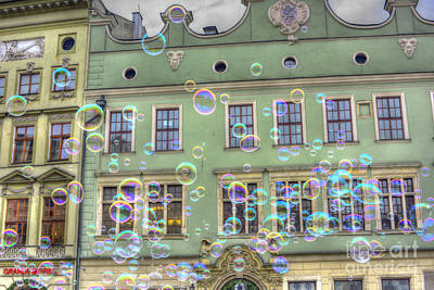 Photograph - Bubbles In The City by Juli Scalzi