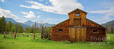 Photograph - Buckaroo Barn In Rocky Mtn National Park by John Roberts