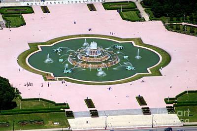 Photograph - Buckingham Fountain by Bill Lang