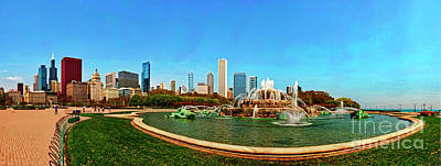 Photograph - Buckingham Fountain Chicago Grant Park by Tom Jelen