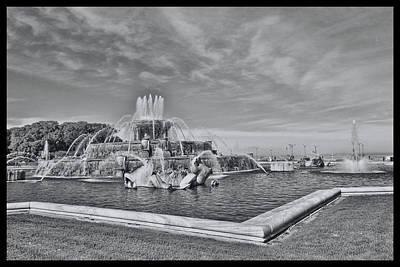 Photograph - Buckingham Memorial Fountain # 10 by Allen Beatty