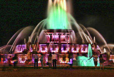 Photograph - Buckingham Memorial Fountain # 9 by Allen Beatty