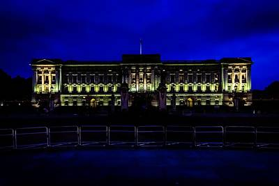 Photograph - Buckingham Palace by Bill Howard