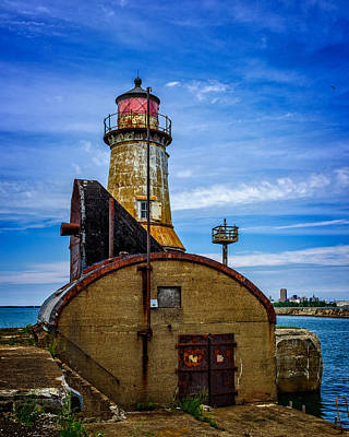 Photograph - Buffalo Harbor South Entrance Light No1 by Chris Bordeleau