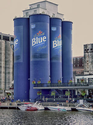 Photograph - Buffalo Six Pack - Silos by Leslie Montgomery