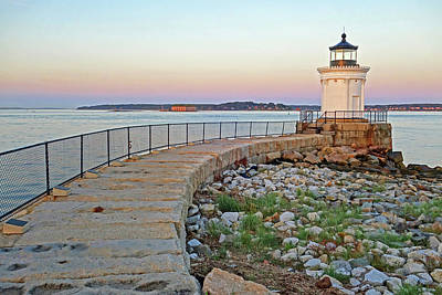 Photograph - Bug Light At Sunset Portland Maine by Toby McGuire