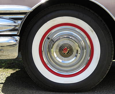Photograph - Buick Wheel by Guy Pettingell