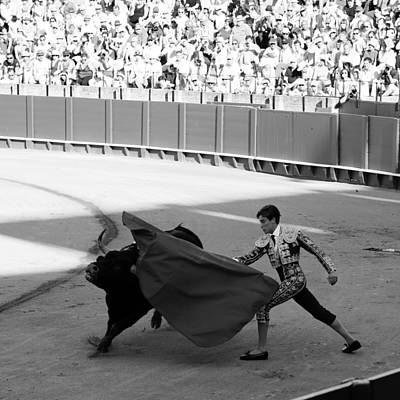Photograph - Bullfighting 15b by Andrew Fare