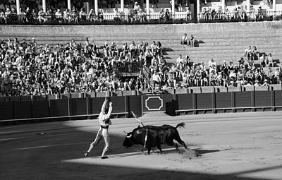 Photograph - Bullfighting 17b by Andrew Fare