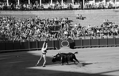 Photograph - Bullfighting 17b by Andrew Fare