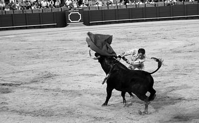 Photograph - Bullfighting 23b by Andrew Fare
