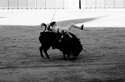 Photograph - Bullfighting 24b by Andrew Fare