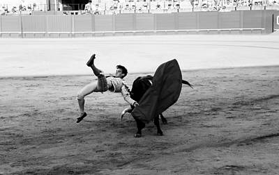 Photograph - Bullfighting 25b by Andrew Fare