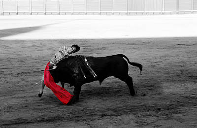 Photograph - Bullfighting 26c by Andrew Fare