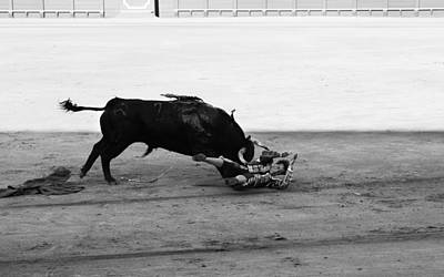 Photograph - Bullfighting 27b by Andrew Fare