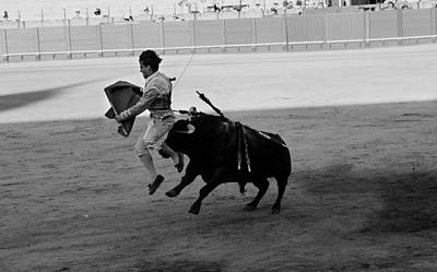 Photograph - Bullfighting 31b by Andrew Fare