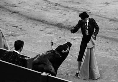 Photograph - Bullfighting 32b by Andrew Fare
