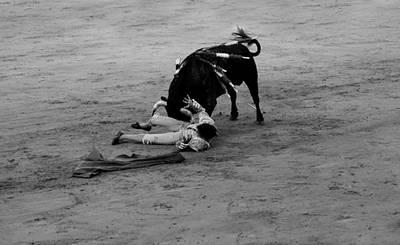 Photograph - Bullfighting 34b by Andrew Fare