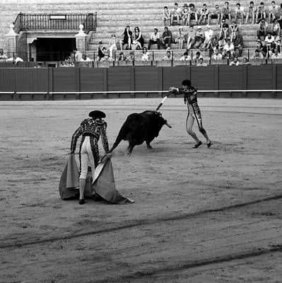 Photograph - Bullfighting 38b by Andrew Fare