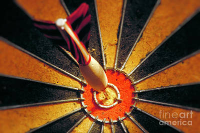 Modern Feathers Art - Bulls eye by John Greim