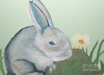 Painting - Bunny And A Daisy by Terri Thompson