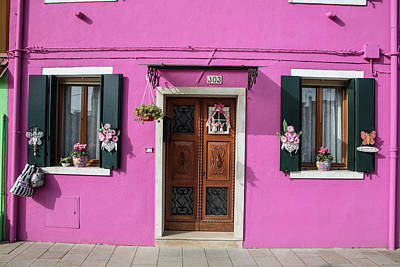 Photograph - Burano Italy Pink House by John McGraw