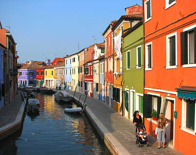 Photograph - Burano Italy by T Guy Spencer