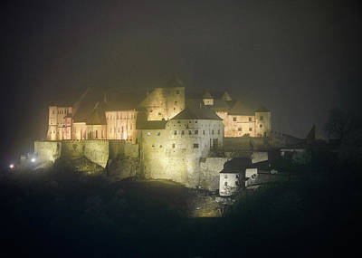 Photograph - Burghausen Castle At Night In Fog by Alexander Kunz