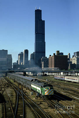 Photograph - Burlington Northern Bn 9915 Heading South From Chicago by Wernher Krutein