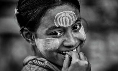 Photograph - Burma Smiling Girl by David Longstreath