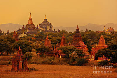 Photograph - Burma_d2136 by Craig Lovell