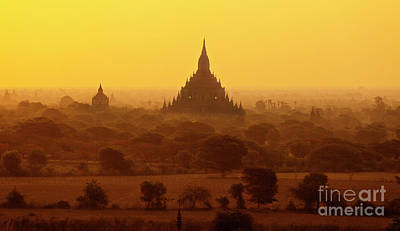 Photograph - Burma_d2227 by Craig Lovell