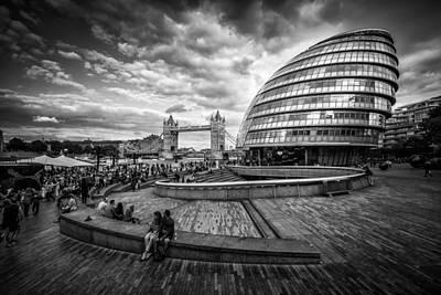 Photograph - Bustling London by Kelvin Trundle