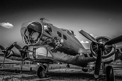 Bw B17 Flying Fortress Art Print