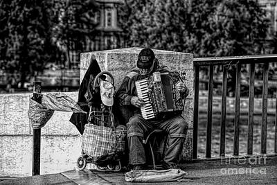 Photograph - Bw Musician Streets Of Paris  by Chuck Kuhn
